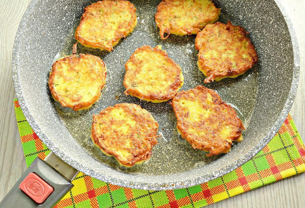 Фото рецепта - Драники картофельные с тыквой - шаг 6