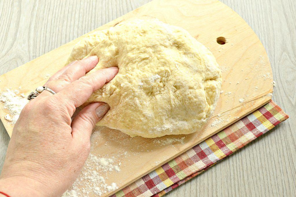 Фото рецепта - Тесто для пельменей и вареников на желтках - шаг 7