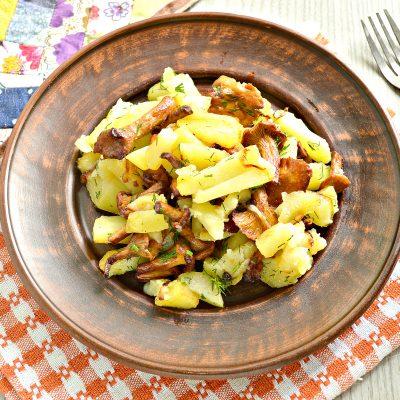 Картофель, жареный с лисичками - рецепт с фото
