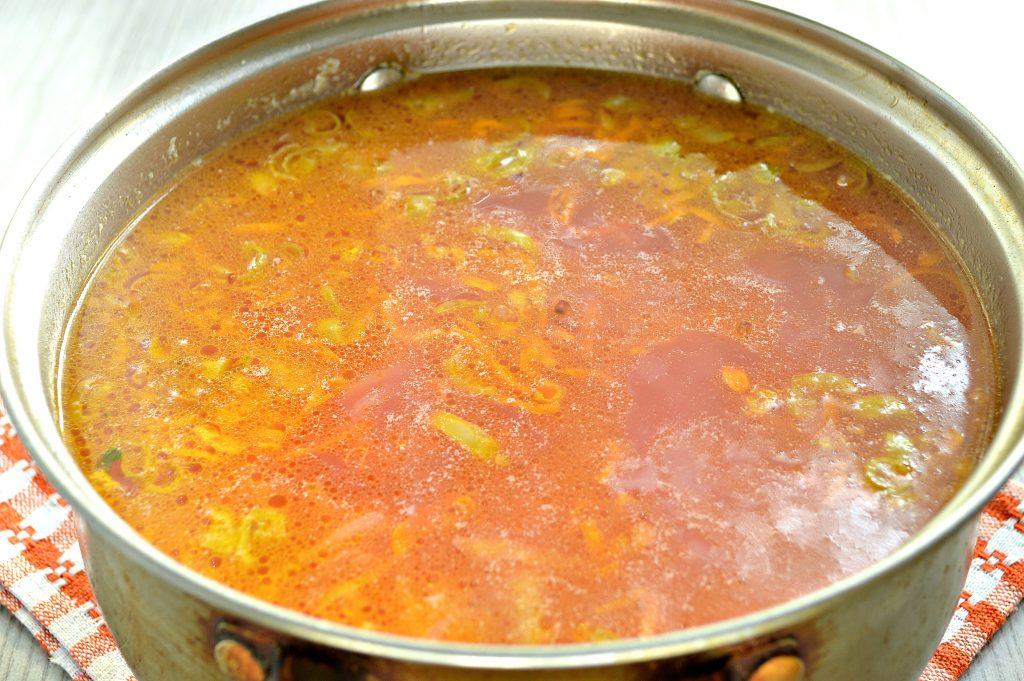 Фото рецепта - Красный борщ с индейкой - шаг 7