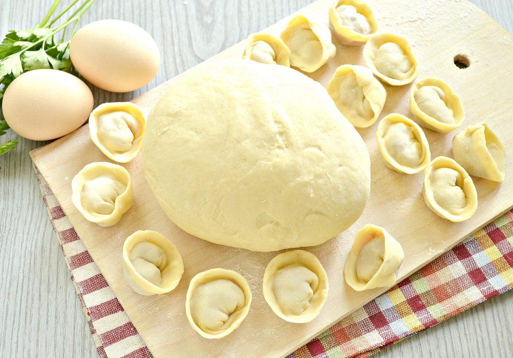 Фото рецепта - Тесто для пельменей и вареников на желтках - шаг 9