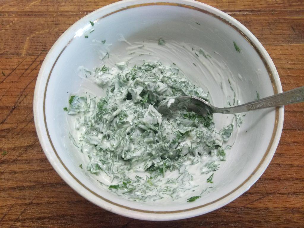 Фото рецепта - Запеченные мясные рулеты с зеленью - шаг 2