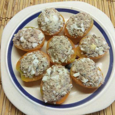 Помидоры, фаршированные сардинами и яйцами - рецепт с фото