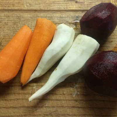 Фото рецепта - Диетический овощной салат из корнеплодов - шаг 1
