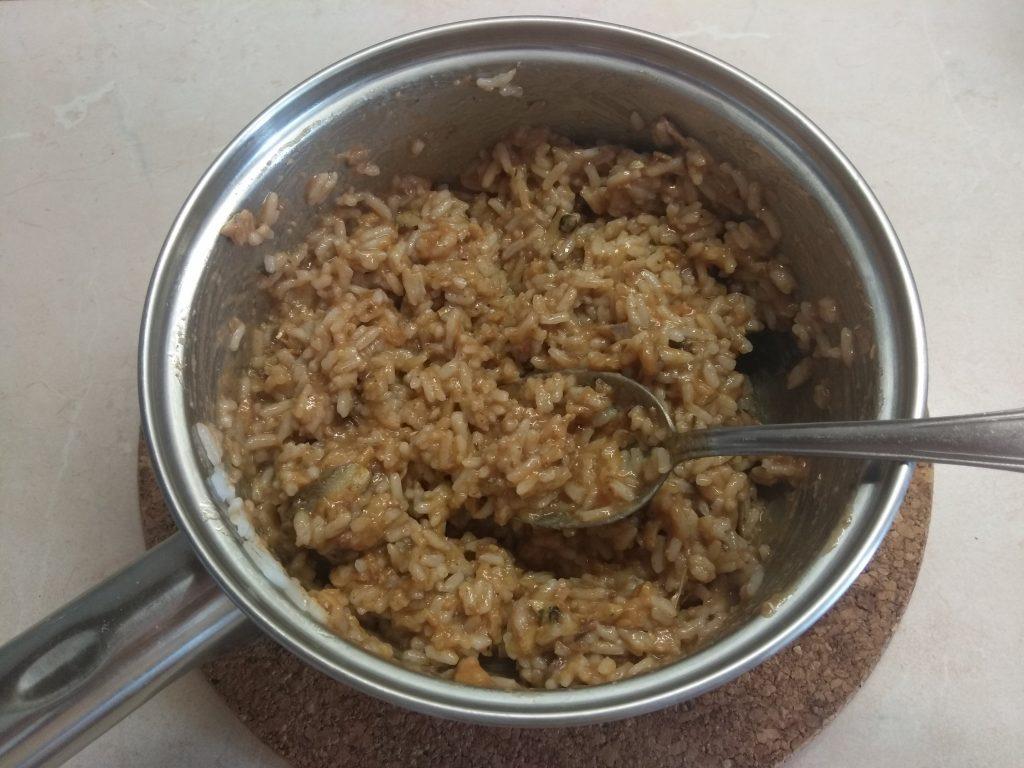 Фото рецепта - Помидоры, фаршированные рисом и килькой в томате - шаг 3