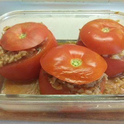 Фото рецепта - Помидоры, фаршированные рисом и килькой в томате - шаг 5