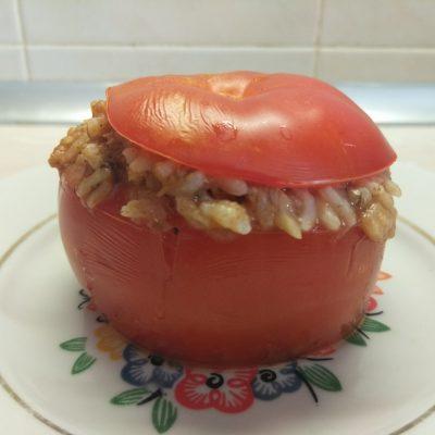 Помидоры, фаршированные рисом и килькой в томате - рецепт с фото