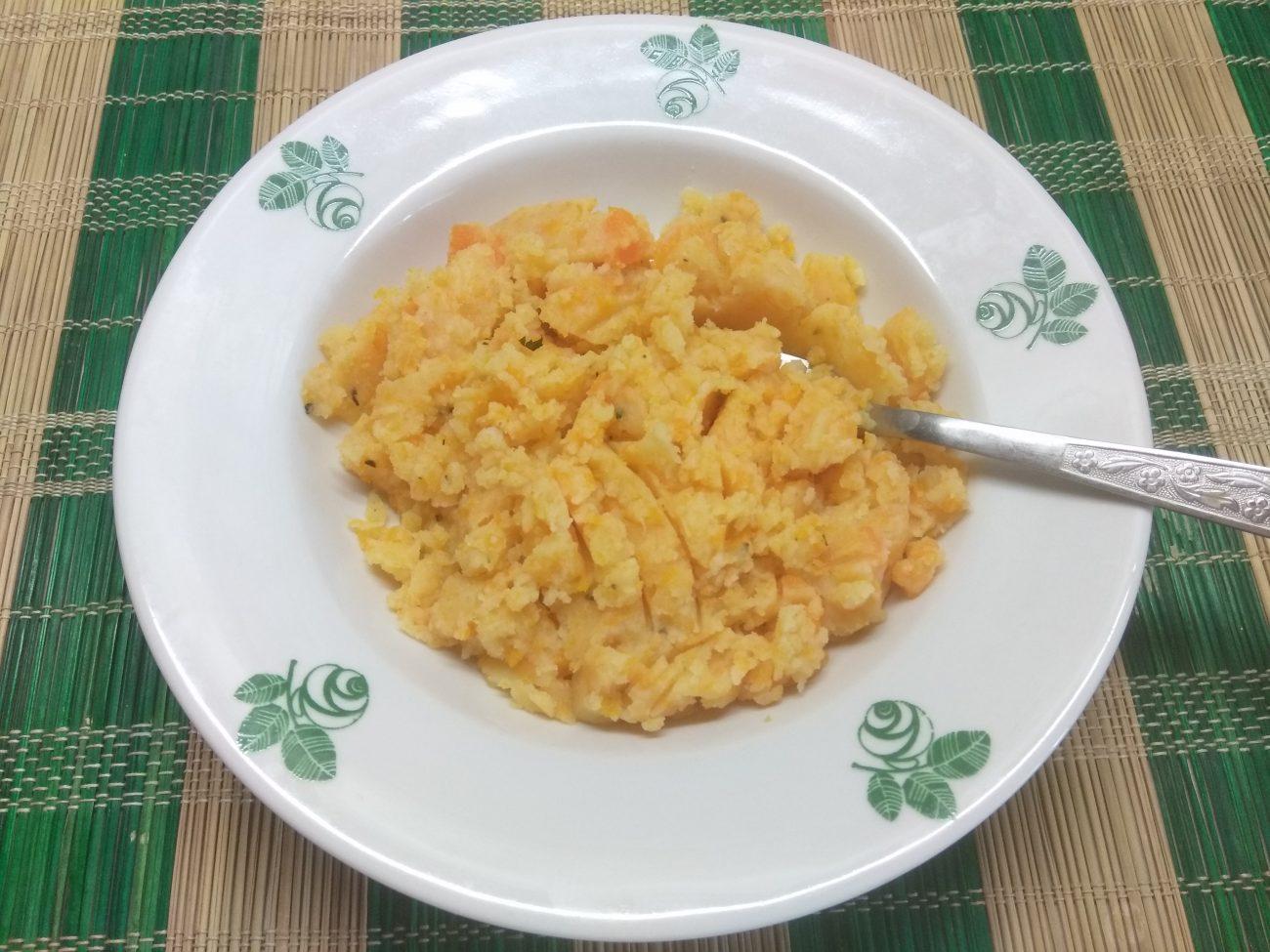Гарнир – морковно-картофельное пюре с розмарином
