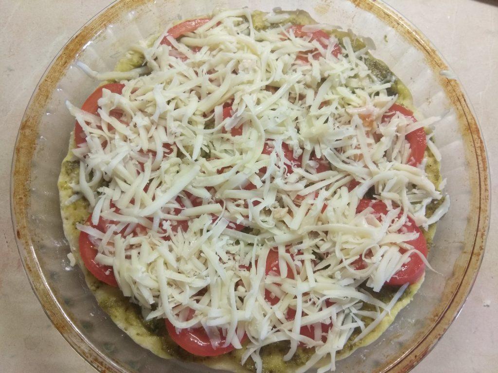 Фото рецепта - Пицца Маргарита по –новому - шаг 4