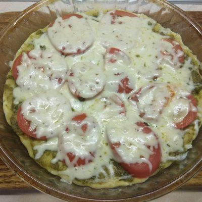 Фото рецепта - Пицца Маргарита по –новому - шаг 5
