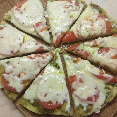 Фото рецепта - Пицца Маргарита по –новому - шаг 6