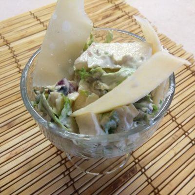 Фото рецепта - Салат-коктейль с фруктами и сыром - шаг 7