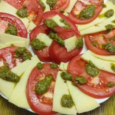 Фото рецепта - Вариация на тему Капрезе из помидоров и сыра - шаг 5
