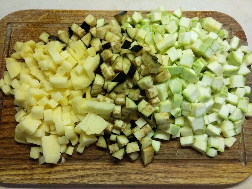 Фото рецепта - Суп из овощей с соусом песто - шаг 1