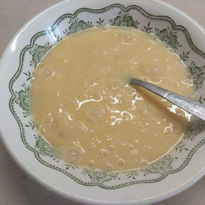 Фото рецепта - Омлет с тунцом и сыром Горгонзолла - шаг 2
