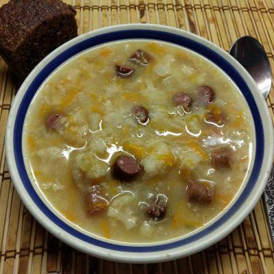 Суп с цветной капустой и охотничьими колбасками - рецепт с фото