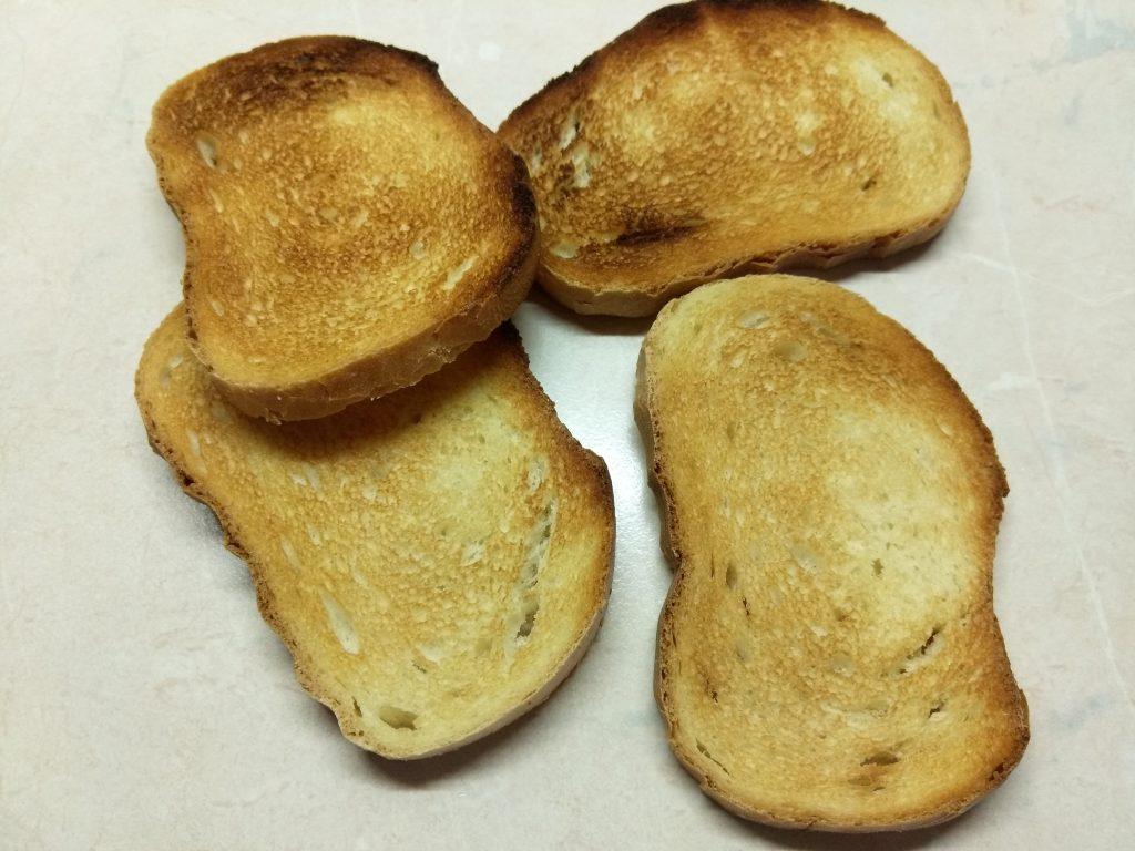 Фото рецепта - Горячие бутерброды с сардинами - шаг 1