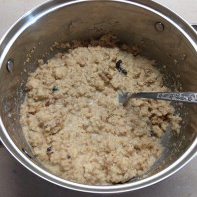 Фото рецепта - Сливовый пирог на сухариках - шаг 2