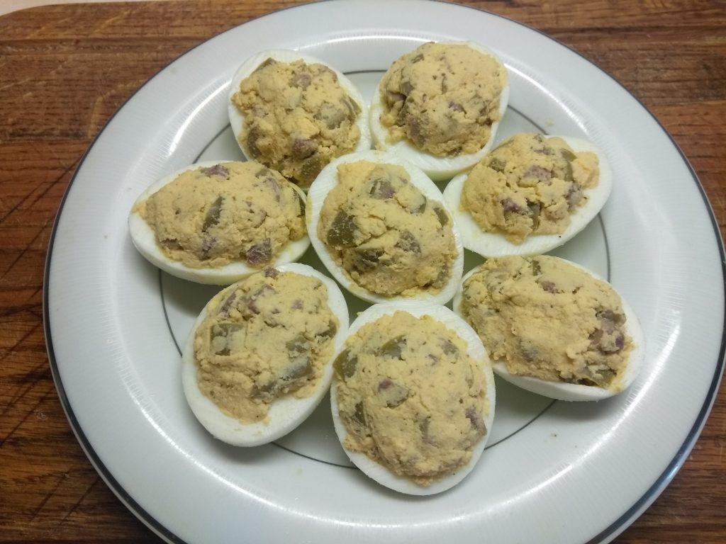 Фото рецепта - Яйца, фаршированные оливками - шаг 6