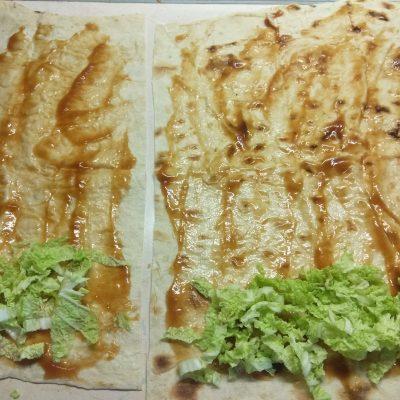 Фото рецепта - Домашняя шаурма со свиной котлетой и морковью по-корейски - шаг 2