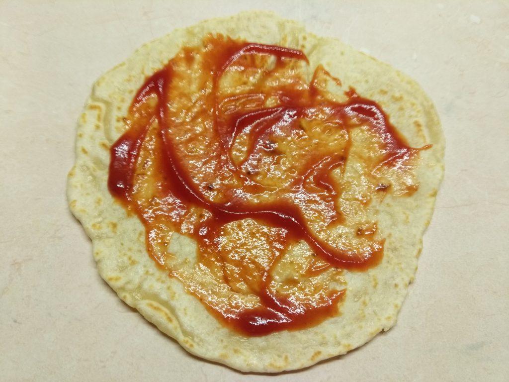 Фото рецепта - Тако с курицей и томатно-перечным соусом - шаг 4