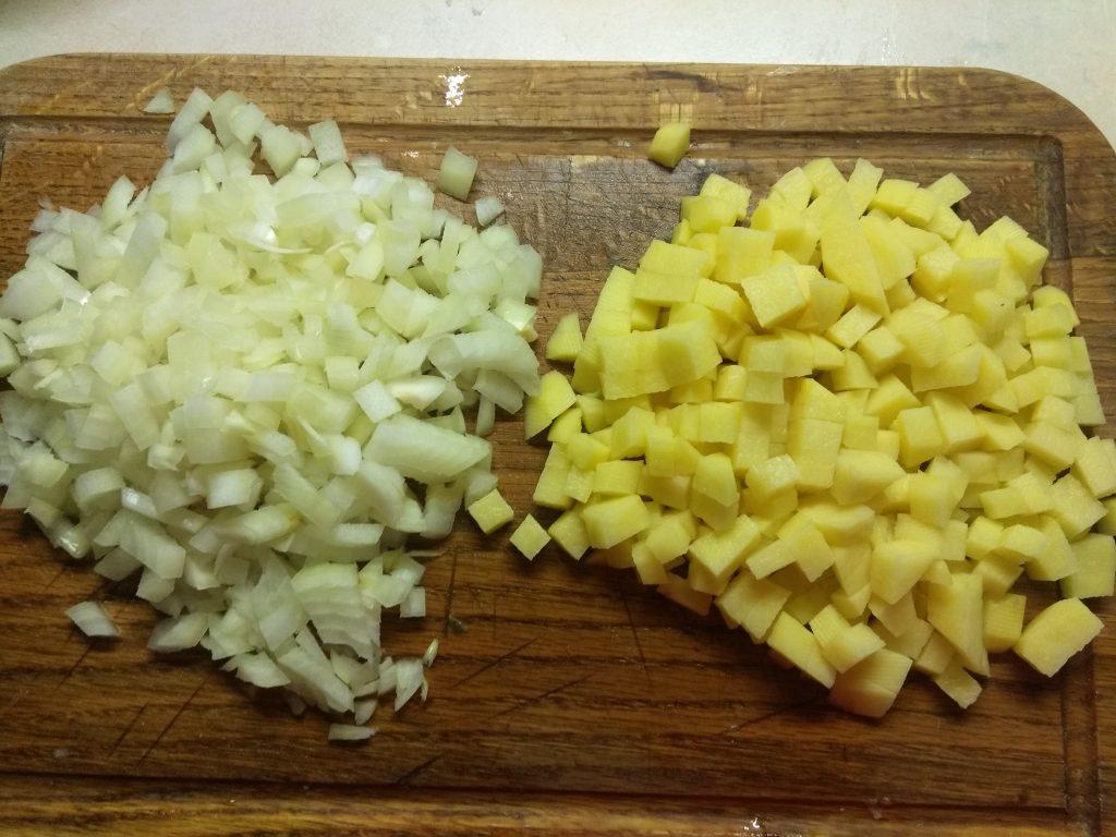 Фото рецепта - Суп из лосося с чечевицей - шаг 3