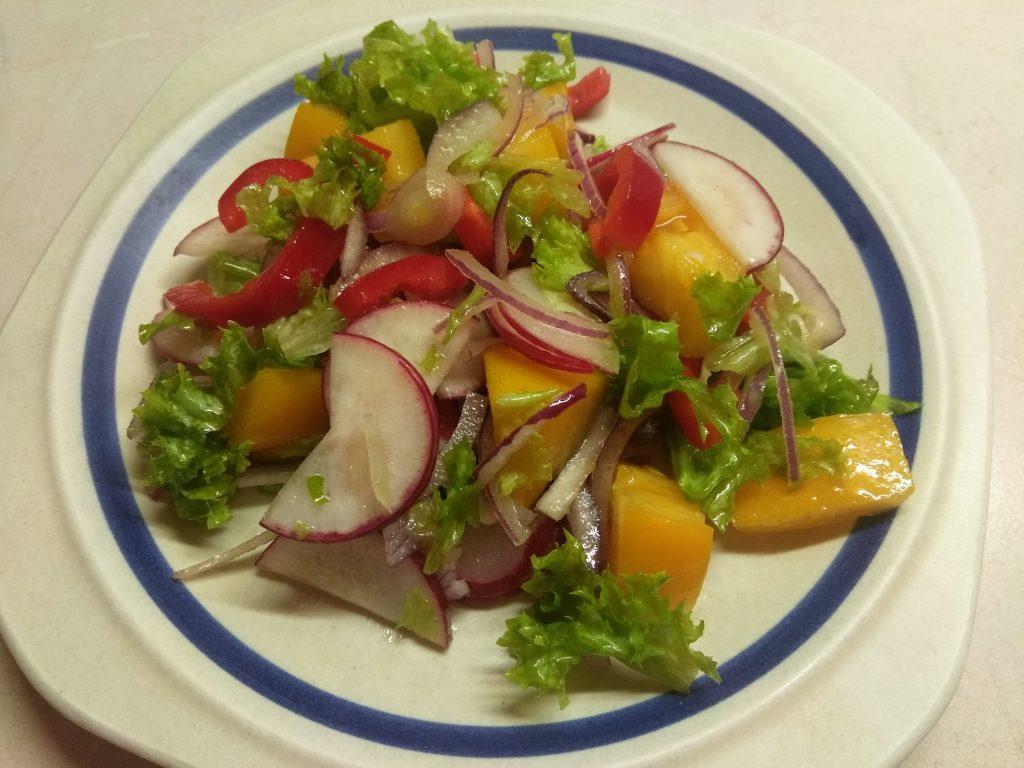 "Фото рецепта - Овощной салат ""Радуга"" - шаг 7"