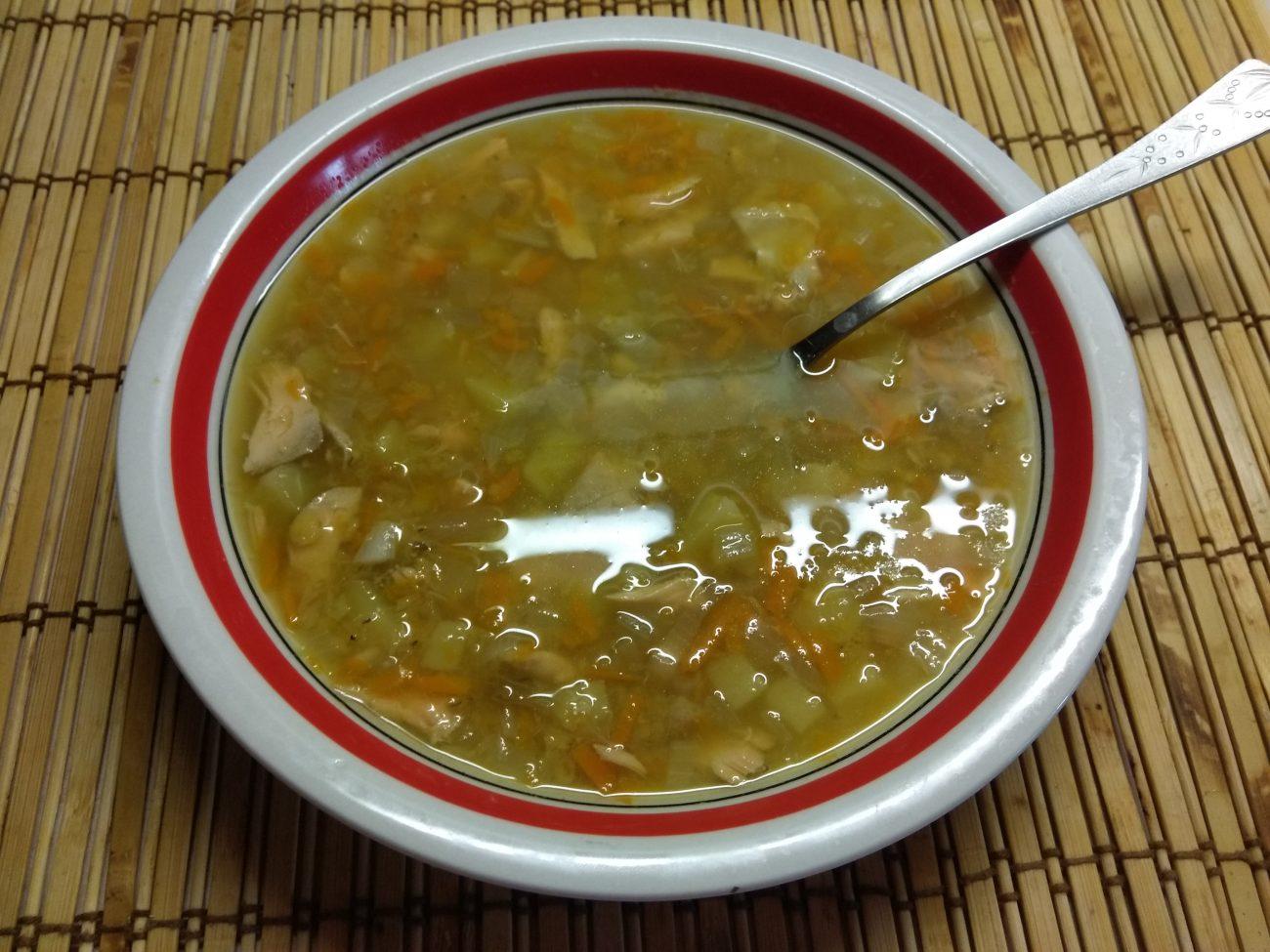 Суп из лосося с чечевицей