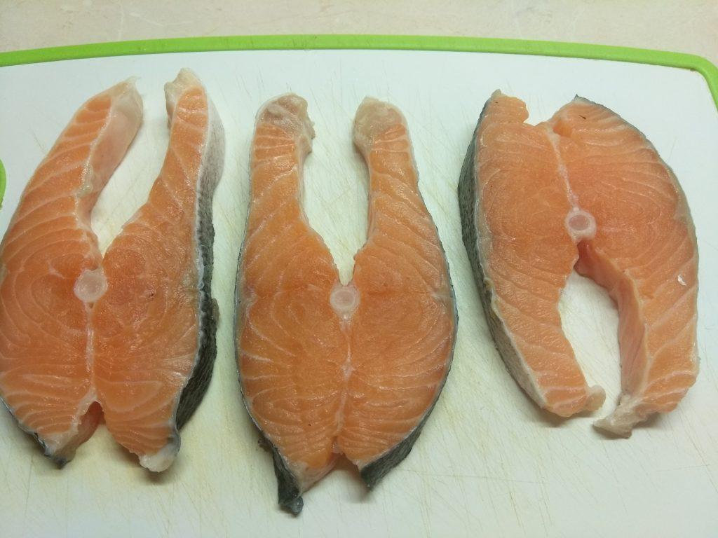Фото рецепта - Жареные стейки лосося с соусом тартар - шаг 1