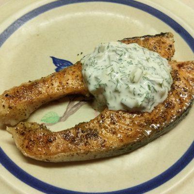 Фото рецепта - Жареные стейки лосося с соусом тартар - шаг 5