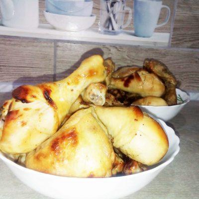 Запеченные куриные голени в кисло-сладком маринаде - рецепт с фото