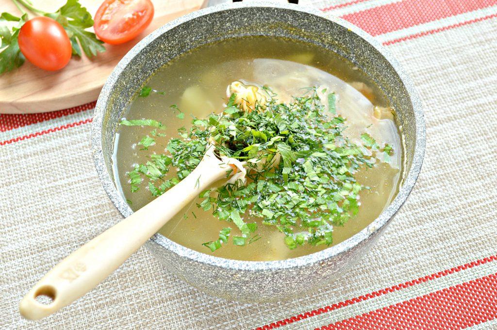 Фото рецепта - Куриный суп с яичной лапшой - шаг 5