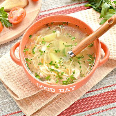 Куриный суп с яичной лапшой - рецепт с фото