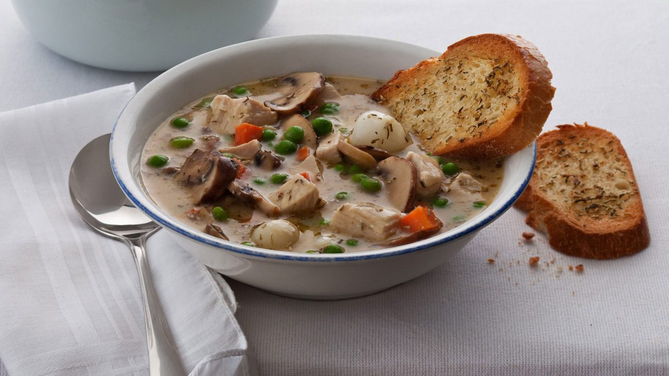 Грибной суп с индейкой и овощами