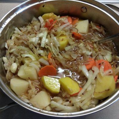 Фото рецепта - Овощное рагу из капусты и картофеля - шаг 6