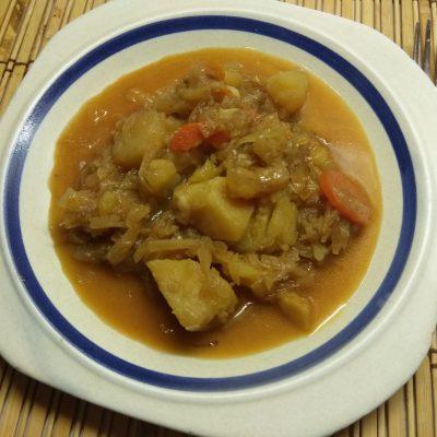 Овощное рагу из капусты и картофеля - рецепт с фото