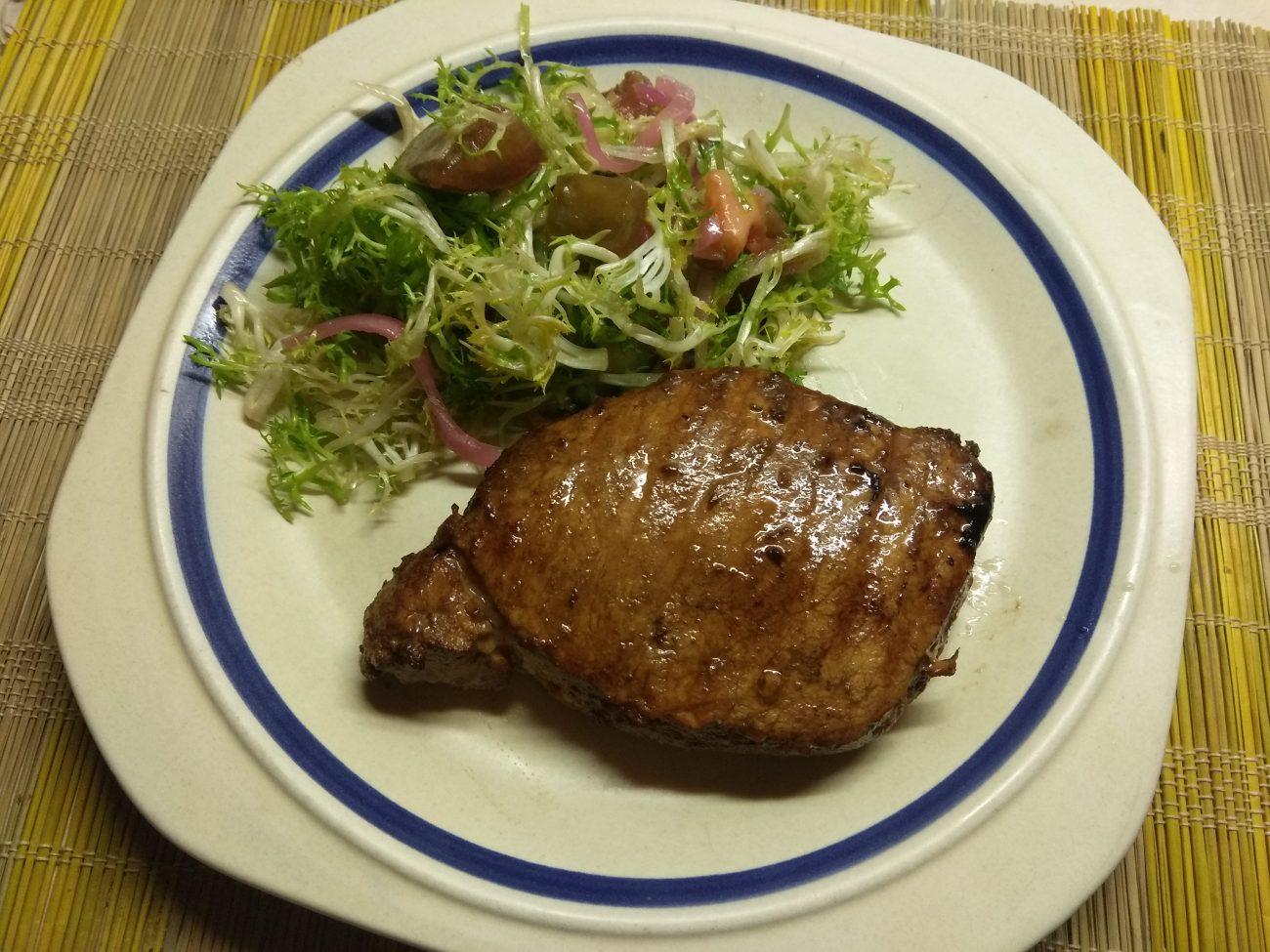 Маринованный стейк из свинины в азиатском стиле