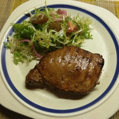 Маринованный стейк из свинины в азиатском стиле - рецепт с фото