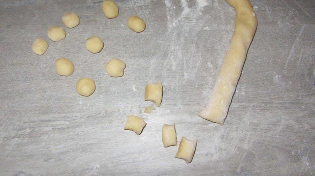 Фото рецепта - Суп с клецками из заварного теста - шаг 8