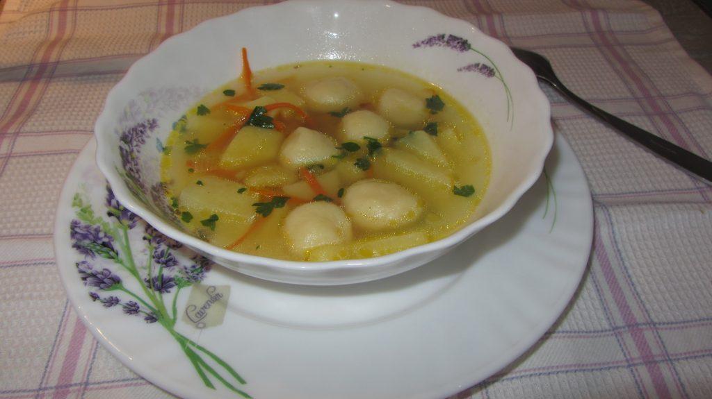 Фото рецепта - Суп с клецками из заварного теста - шаг 11
