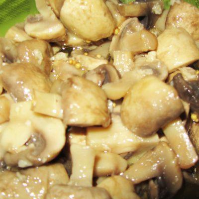 Маринованные шампиньоны (без воды) - рецепт с фото