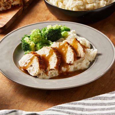 Куриное филе с картофельным пюре и брокколи - рецепт с фото