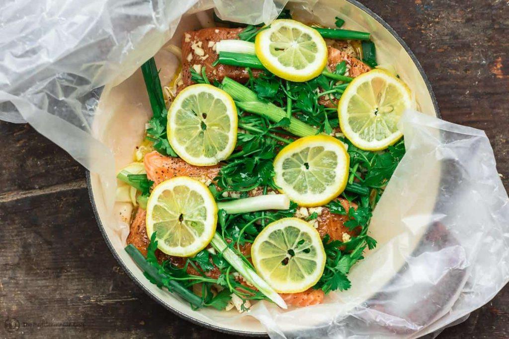 Фото рецепта - Лосось на пару с лимоном и травами - шаг 4