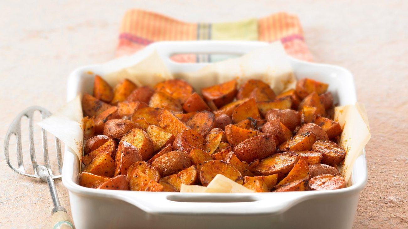 Запеченный картофель с луком (гарнир)