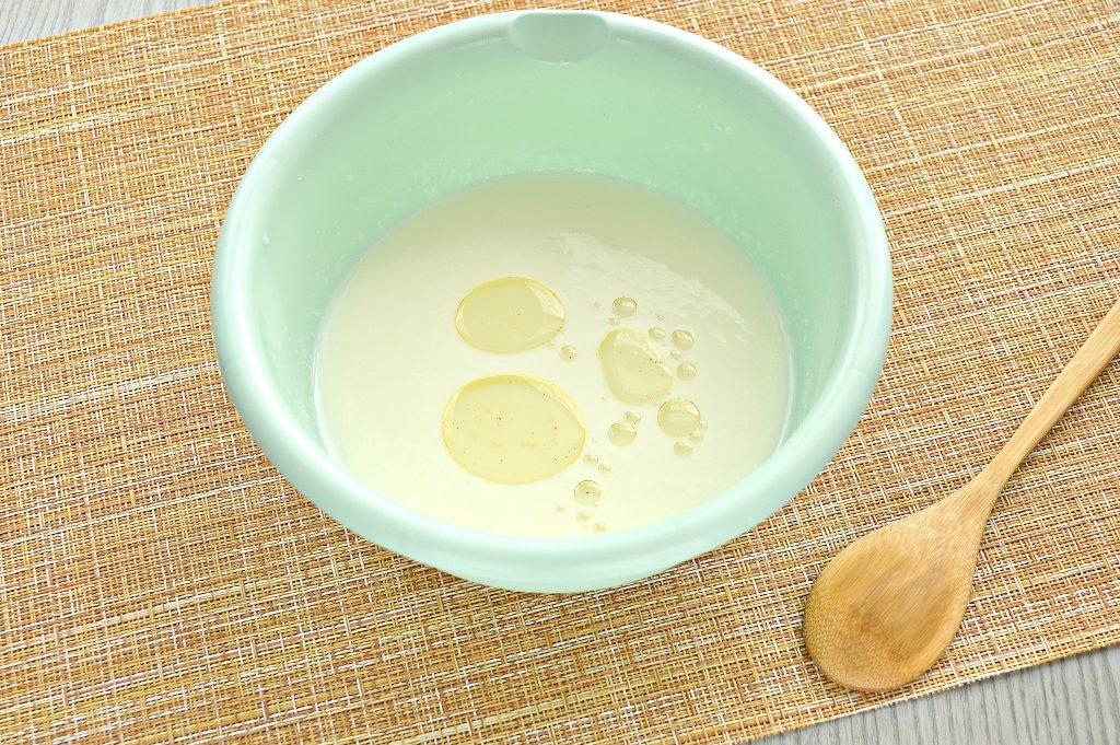 Фото рецепта - Тесто для мантов на молоке с яйцами - шаг 1