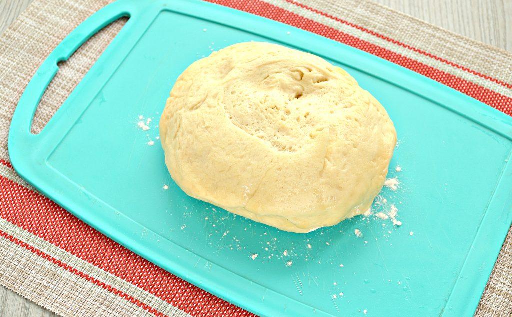Фото рецепта - Пирожки с капустой и курицей - шаг 2