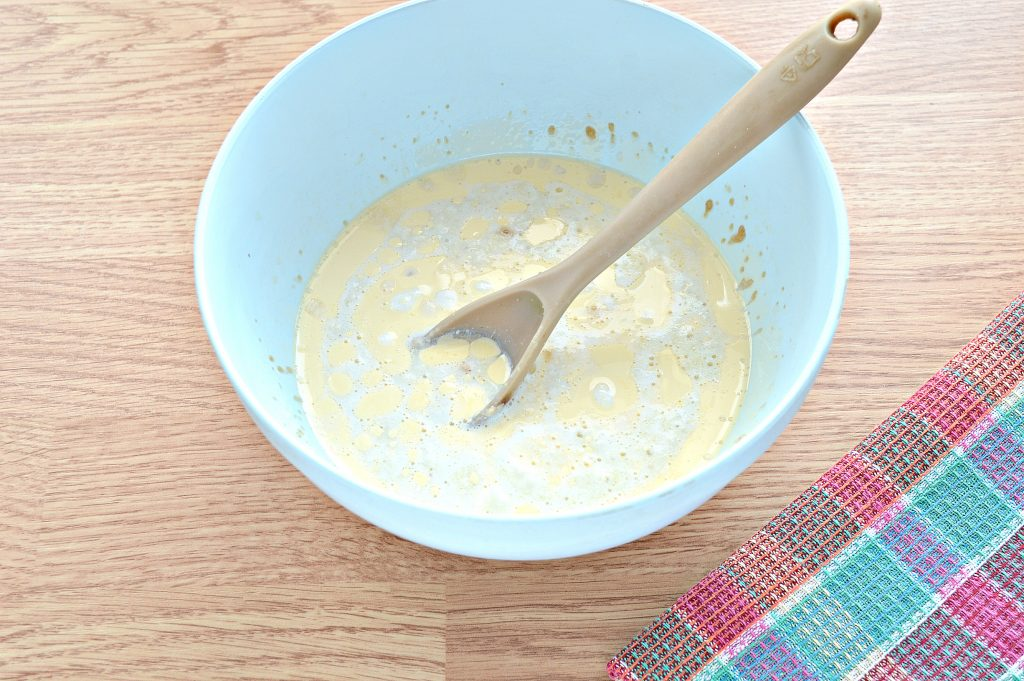 Фото рецепта - Дрожжевое тесто для курника на молоке - шаг 3