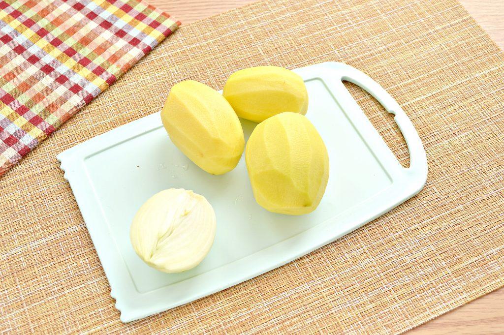 Фото рецепта - Начинка для мантов из курицы и картофеля - шаг 3