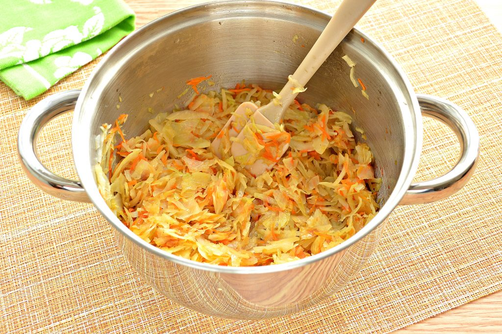 Фото рецепта - Начинка для пирожков с капустой и яйцами - шаг 5