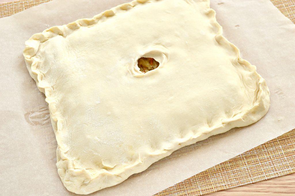 Фото рецепта - Пирог из дрожжевого теста с капустой и яйцом - шаг 5